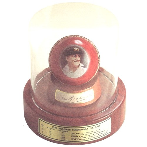 LIMITED Edition 1930 Bradman Commemorative Ball